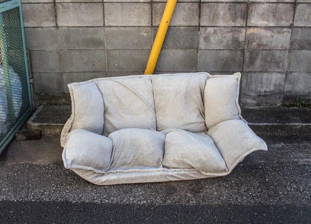 敷地内に粗大ゴミの放置 頭を抱えるゴミ問題をどう防ぐ?