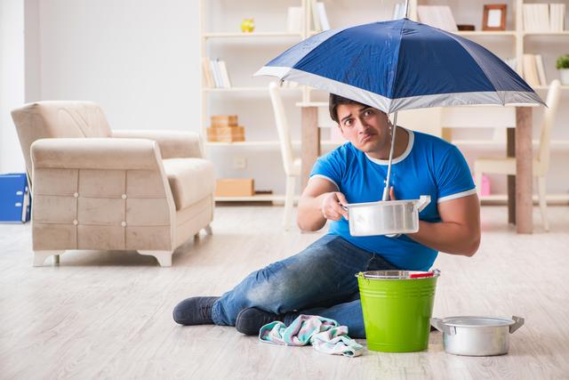 賃貸物件で雨漏りが発生! 修理費用は大家が負担すべき?